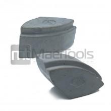 Abrazive pentru piatra tip Cassani (rinichi) – Pietrele abrasive tip Cassani sunt folosite pentru slefuire si lustruire  piatra, marmura, granit, beton, ciment etc. Se folosesc cu mașină de șlefuit echipata cu discul corespunzător .